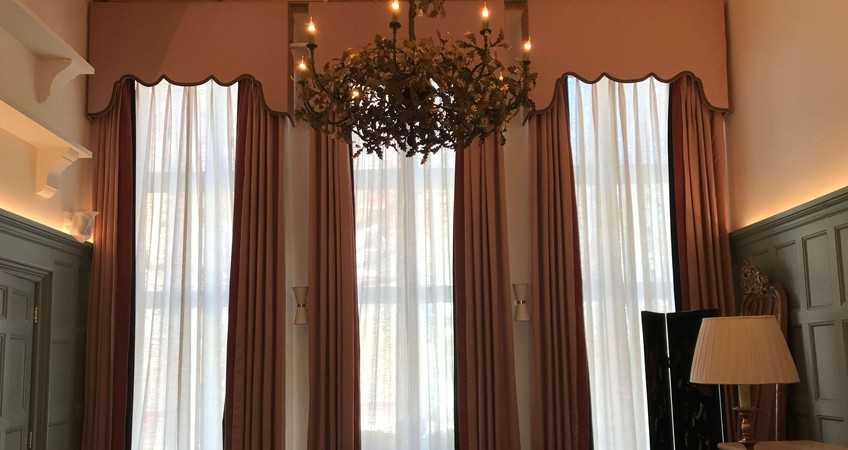 5 Benefits of Made to Measure Curtains You Must Know - Zenn Interiors